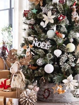 Christmas Tree Decorations | Myer Online